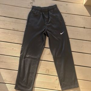 Nike Youth XL Therma-Fit Pants, Dk Gray, EUC